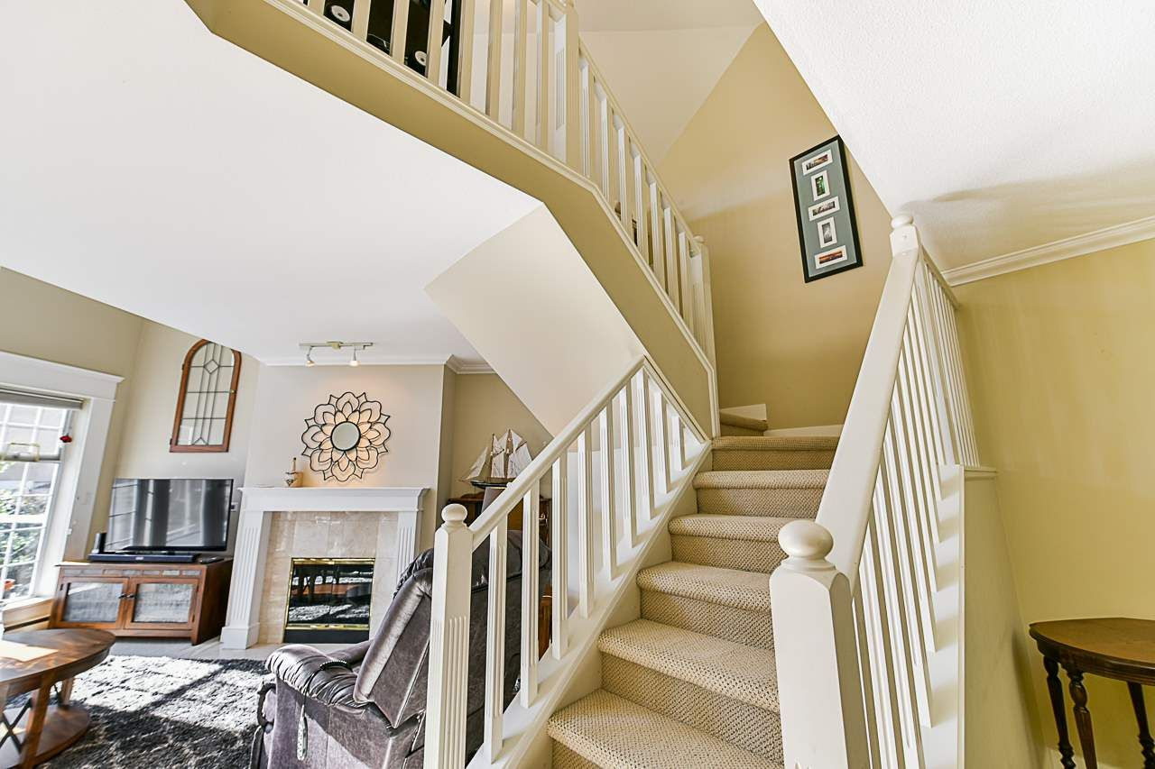 Photo 16: Photos: 213 25 RICHMOND STREET in New Westminster: Fraserview NW Condo for sale : MLS®# R2357441