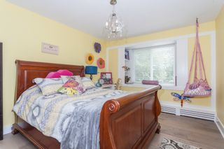 Photo 18: 347 192 STREET in South Surrey White Rock: Home for sale : MLS®# R2163762
