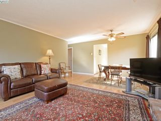 Photo 4: 1216 Loenholm Rd in VICTORIA: SW Layritz House for sale (Saanich West)  : MLS®# 769227