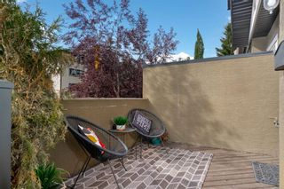Photo 2: 722 56 Avenue SW in Calgary: Windsor Park Row/Townhouse for sale : MLS®# A1020099