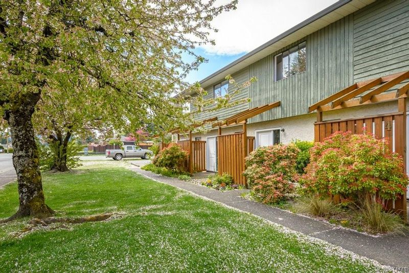 FEATURED LISTING: 2 - 951 17th St