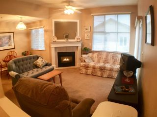 """Photo 4: 302 5955 177B Street in Surrey: Cloverdale BC Condo for sale in """"WINDSOR PLACE"""" (Cloverdale)  : MLS®# R2334510"""