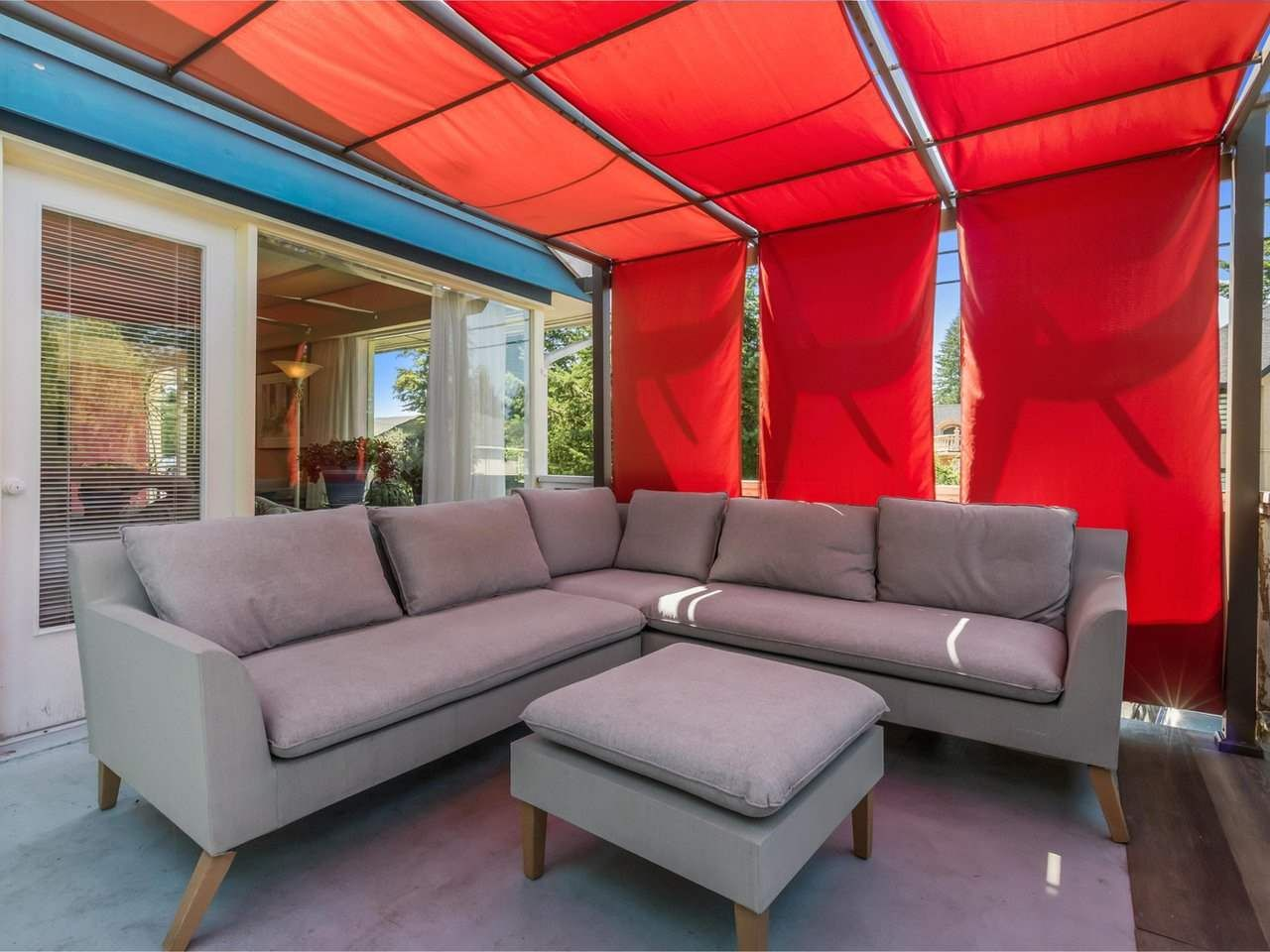Photo 10: Photos: 943 GATENSBURY Street in Coquitlam: Harbour Chines House for sale : MLS®# R2499202