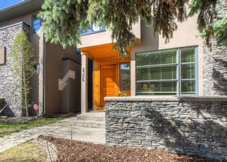 Photo 2: 2306 3 Avenue NW in Calgary: West Hillhurst Detached for sale : MLS®# A1100228