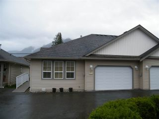 Photo 1: 4 638 COQUIHALLA Street in Hope: Hope Center 1/2 Duplex for sale : MLS®# R2124027