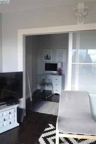 Photo 8: 301 3225 Eldon Pl in VICTORIA: SW Rudd Park Condo for sale (Saanich West)  : MLS®# 772266