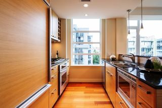 """Photo 5: 1103 1925 ALBERNI Street in Vancouver: West End VW Condo for sale in """"LAGUNA PARKSIDE"""" (Vancouver West)  : MLS®# R2618862"""