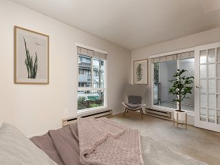 "Photo 5: 208 2110 CORNWALL Avenue in Vancouver: Kitsilano Condo for sale in ""Seagate Villa"" (Vancouver West)  : MLS®# R2515614"
