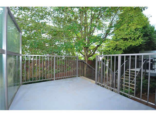 """Photo 11: Photos: 207 5568 KINGS Road in Vancouver: University VW Townhouse for sale in """"GALLERIA"""" (Vancouver West)  : MLS®# V1087874"""