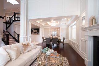 Photo 3: 9231 CHAPMOND Crescent in Richmond: Seafair House for sale : MLS®# R2411403