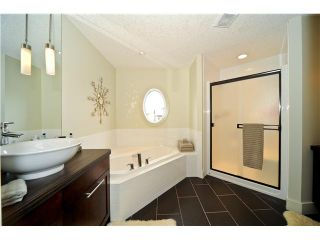 Photo 7: 61 VALLEY WOODS Way NW in CALGARY: Valley Ridge Residential Detached Single Family for sale (Calgary)  : MLS®# C3420216