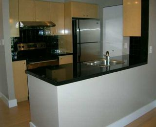 """Photo 2: 3209 1009 EXPO BV in Vancouver: Downtown VW Condo for sale in """"LANDMARK 33"""" (Vancouver West)  : MLS®# V591247"""