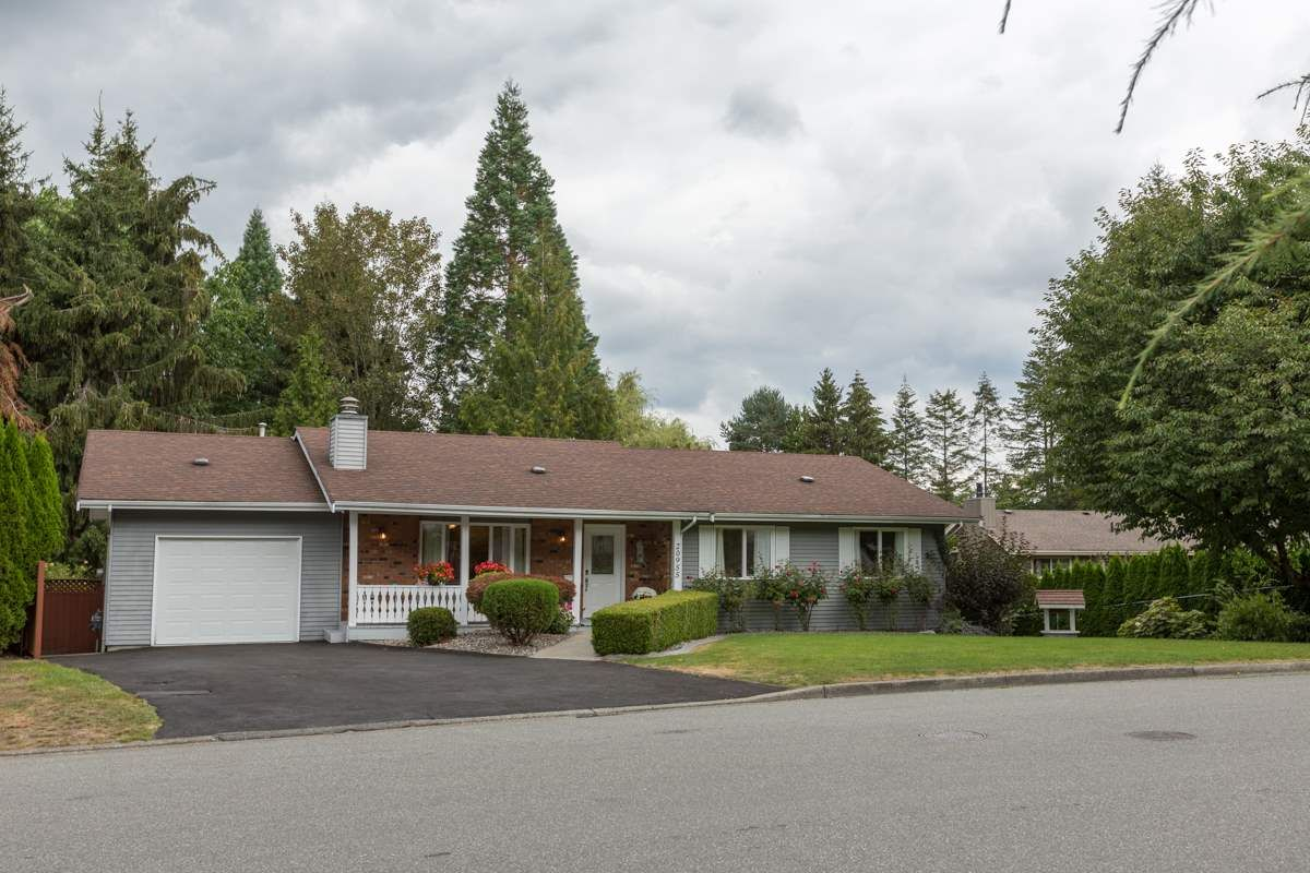 Main Photo: 20955 47 Avenue in Langley: Langley City House for sale : MLS®# R2099176