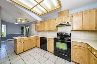 """Photo 16: 129 8737 212 Street in Langley: Walnut Grove Townhouse for sale in """"Chartwell Green"""" : MLS®# R2490439"""