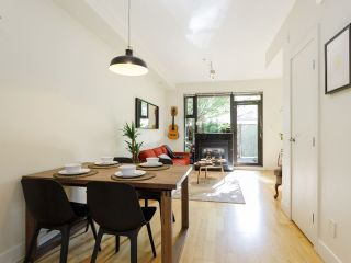"""Photo 5: 3790 COMMERCIAL Street in Vancouver: Victoria VE Townhouse for sale in """"BRIX"""" (Vancouver East)  : MLS®# R2487302"""