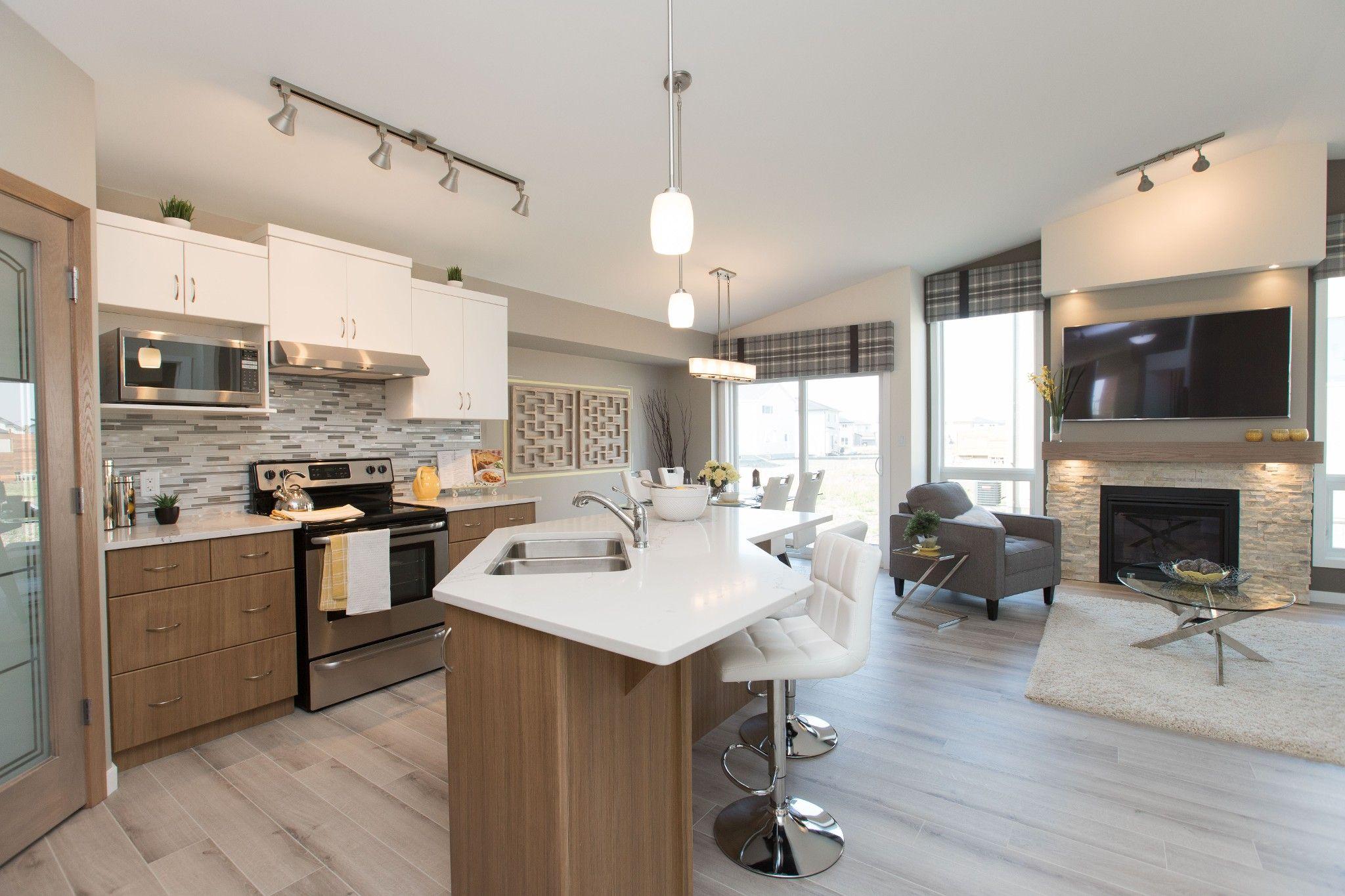 Main Photo: 11 Spillett Cove in Winnipeg: Charleswood Single Family Detached for sale (1H)