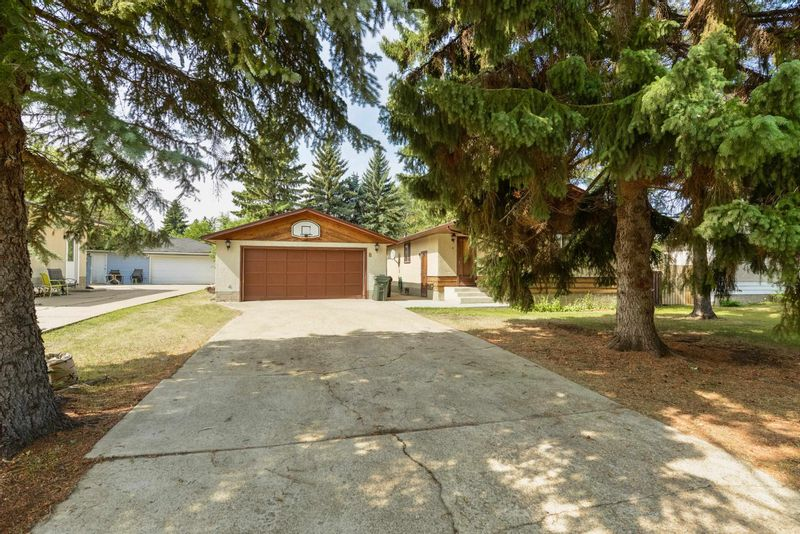 FEATURED LISTING: 8 HERON Road Sherwood Park
