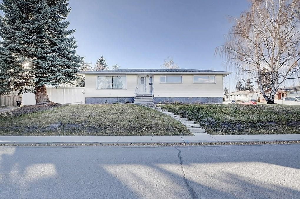 Main Photo: 2019 38 Street SW in Calgary: Glendale Detached for sale : MLS®# C4214802