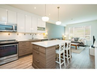 """Photo 14: 210 16398 64 Avenue in Surrey: Cloverdale BC Condo for sale in """"THE RIDGE AT BOSE FARM"""" (Cloverdale)  : MLS®# R2560032"""