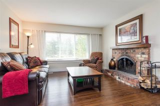 """Photo 4: 20235 36 Avenue in Langley: Brookswood Langley House for sale in """"Brookswood"""" : MLS®# R2301406"""