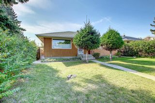 Photo 2: 4719 26 Avenue SW in Calgary: Glenbrook Detached for sale : MLS®# A1145926
