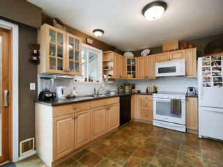 Photo 7: 10446 Resthaven Dr in : Si Sidney North-East House for sale (Sidney)  : MLS®# 855838