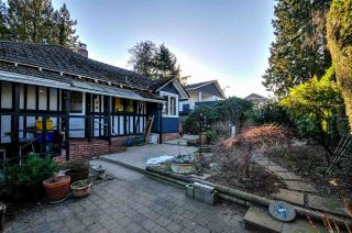 Photo 3: 4855 SMITH Avenue in Burnaby: Central Park BS House for sale (Burnaby South)  : MLS®# R2136893