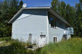 """Photo 3: 1577 NW PATCHETT Road: Bouchie Lake House for sale in """"BOUCHIE LAKE"""" (Quesnel (Zone 28))  : MLS®# R2384378"""
