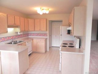 Photo 8: 103 1902 COMOX Avenue in COMOX: CV Comox (Town of) Condo for sale (Comox Valley)  : MLS®# 713630