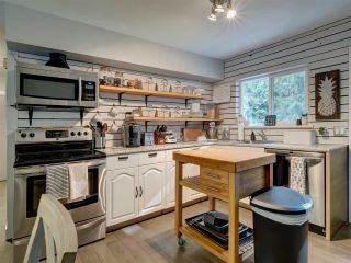 Photo 13: 8041 WILDWOOD Road in Halfmoon Bay: Halfmn Bay Secret Cv Redroofs 1/2 Duplex for sale (Sunshine Coast)  : MLS®# R2506771