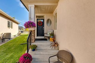 Photo 2: 84 Cimarron Estates Green: Okotoks Semi Detached for sale : MLS®# A1149803