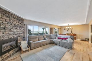 Photo 4: 300 Milburn Dr in Colwood: Co Lagoon House for sale : MLS®# 862707