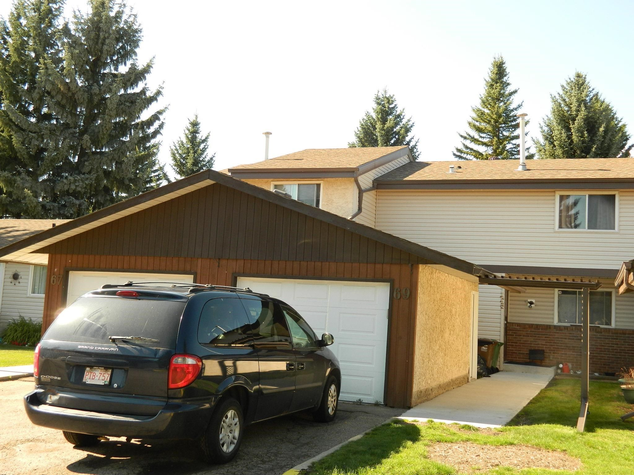 Main Photo: 69 Forest Grove: St. Albert Townhouse for sale : MLS®# E4261846