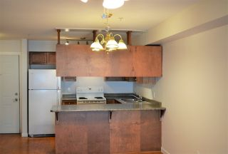 Photo 3: 315 33960 OLD YALE Road in Abbotsford: Central Abbotsford Condo for sale : MLS®# R2246070