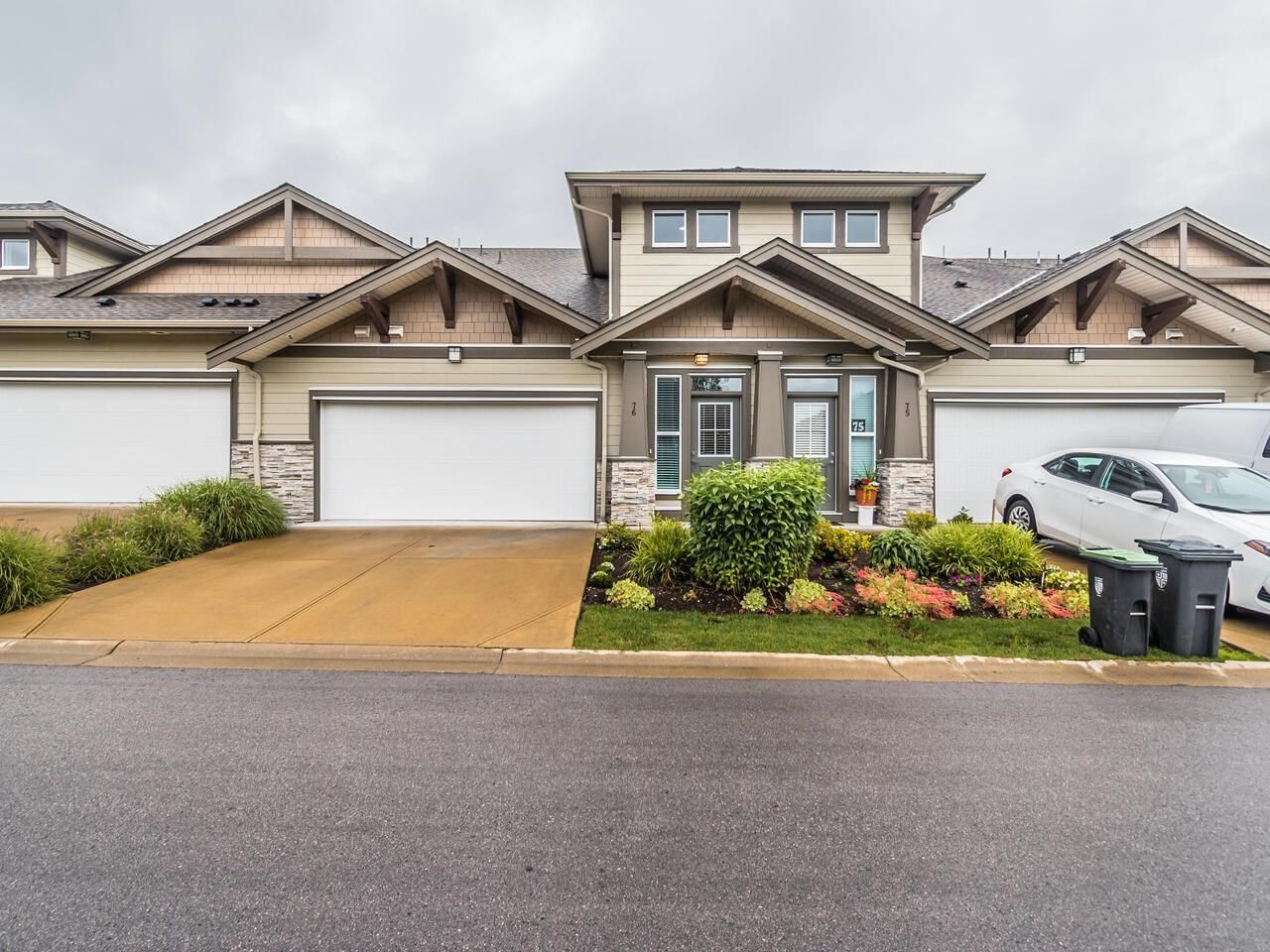 """Main Photo: 76 7138 210 Street in Langley: Willoughby Heights Townhouse for sale in """"PRESTWICK"""" : MLS®# R2593817"""