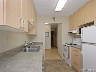 Photo 5: 309 25 Government St in VICTORIA: Vi James Bay Condo for sale (Victoria)  : MLS®# 741219