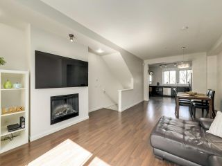 """Photo 4: 21 2418 AVON Place in Port Coquitlam: Riverwood Townhouse for sale in """"Links"""" : MLS®# R2562648"""