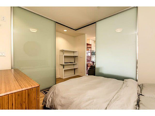 """Photo 11: Photos: 305 2250 COMMERCIAL Drive in Vancouver: Grandview VE Condo for sale in """"THE MARQUEE ON THE DRIVE"""" (Vancouver East)  : MLS®# V1109784"""
