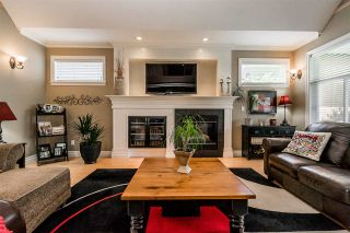 Photo 5: 7283 201 Street in Langley: Willoughby Heights House for sale : MLS®# R2379997