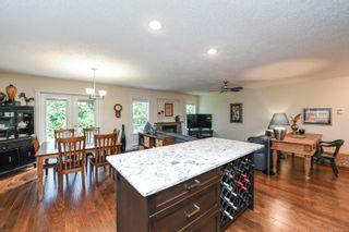 Photo 5: 2074 Lambert Dr in : CV Courtenay City House for sale (Comox Valley)  : MLS®# 878973
