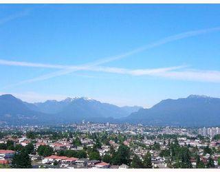 """Photo 2: 2709 5380 OBEN Street in Vancouver: Collingwood VE Condo for sale in """"URBA"""" (Vancouver East)  : MLS®# V722451"""