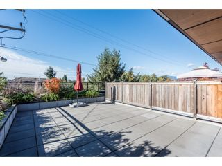 Photo 1: 203 688 E 18TH AVENUE in Vancouver: Fraser VE Condo for sale (Vancouver East)  : MLS®# R2322723