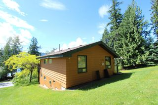 Photo 23: 7633 Squilax Anglemont Road: Anglemont House for sale (North Shuswap)  : MLS®# 10233439