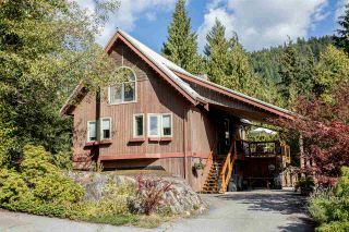 Photo 1: 1038 TOBERMORY Way in Squamish: Garibaldi Highlands House for sale : MLS®# R2244076