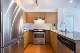 """Photo 3: 316 3097 LINCOLN Avenue in Coquitlam: New Horizons Condo for sale in """"LARKIN HOUSE WEST BY POLYGON"""" : MLS®# R2170923"""