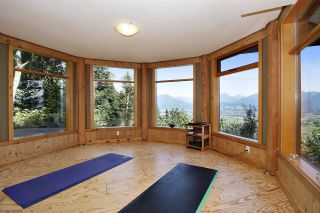 """Photo 25: 8400 GRAND VIEW Drive in Chilliwack: Chilliwack Mountain House for sale in """"Chilliwack Mountain"""" : MLS®# R2483464"""
