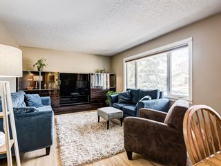 Photo 5: 22 Chancellor Way NW in Calgary: Cambrian Heights Detached for sale : MLS®# A1086810