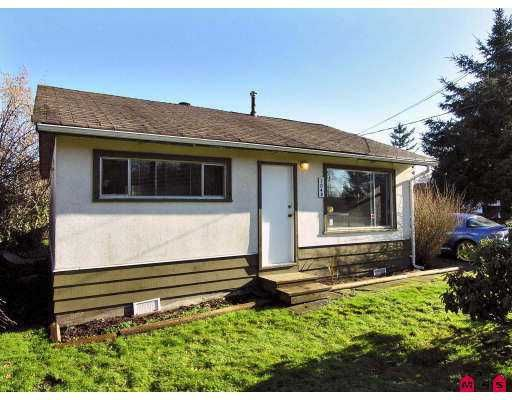 """Main Photo: 7048 188TH Street in Surrey: Clayton House for sale in """"CLAYTON"""" (Cloverdale)  : MLS®# F2701592"""