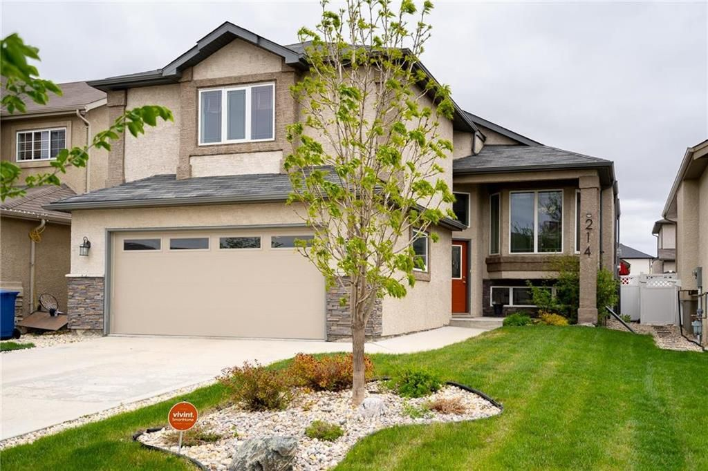 Main Photo: 214 Tychonick Bay in Winnipeg: Kildonan Green Residential for sale (3K)  : MLS®# 202112940