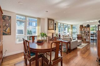 """Photo 10: 261 2080 W BROADWAY in Vancouver: Kitsilano Condo for sale in """"Pinnacle Living on Broadway"""" (Vancouver West)  : MLS®# R2496208"""